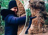 Nicole Kidman wraps her arms around a massive treeto be one with nature