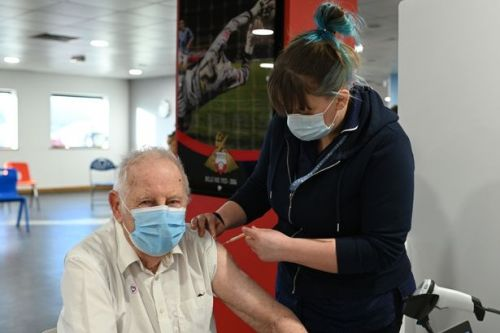 Covid vaccine boss confirms jab priority order after the over-70s might change