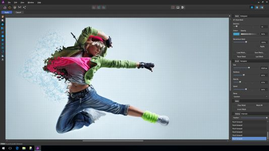 Photoshop rival slashes prices by 50%