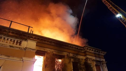 Fire rages at Belfast's Crumlin Road courthouse