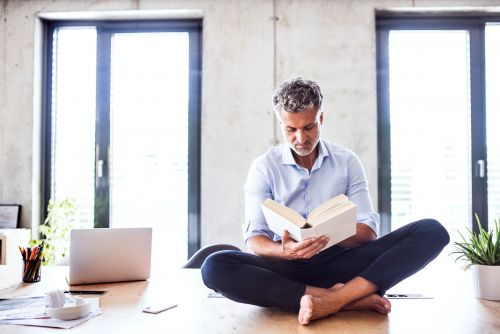 13 books HR executives recommend for managers who want to become better leaders and communicators