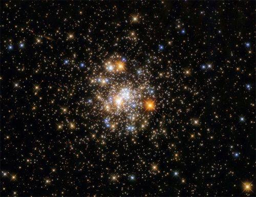 Hubble images a colourful globular cluster in Sagittarius