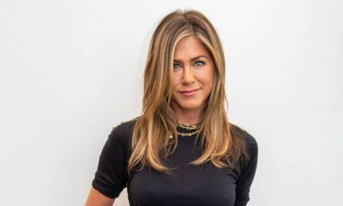 Jennifer Aniston reveals secret to her incredible figure - and she has the photo to prove it!
