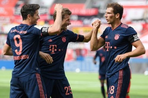 Lewandowski nets and records fall as Bayern Munich close on Bundesliga title