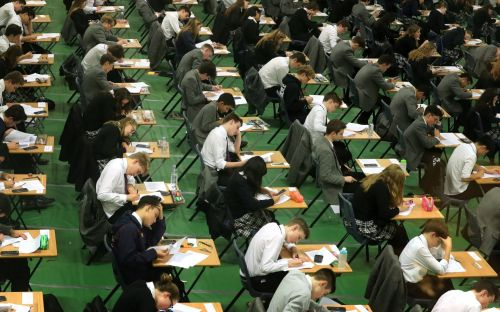 Coronavirus latest news:Universities told to hold places for students appealing A-level results