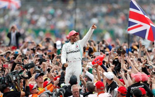 Silverstone to wait until end of April before deciding fate of British Grand Prix