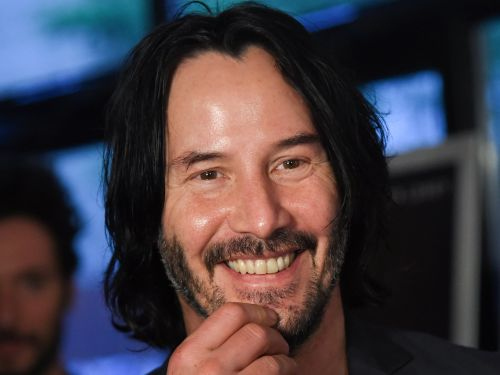 A video of Keanu Reeves giving up his seat to another passenger on the crowded NYC subway 5 years ago confirms his goodness