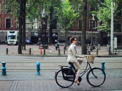 People who bike to work may live longer, according to new research