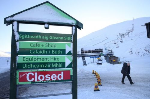 Cops warn against gathering at Scots ski centre after boy racers descend