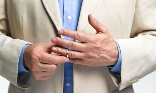 Men with longer ring fingers less likely to die from COVID-19 - shock study
