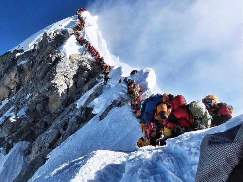 One stunning picture shows why climbers are dying on Mount Everest