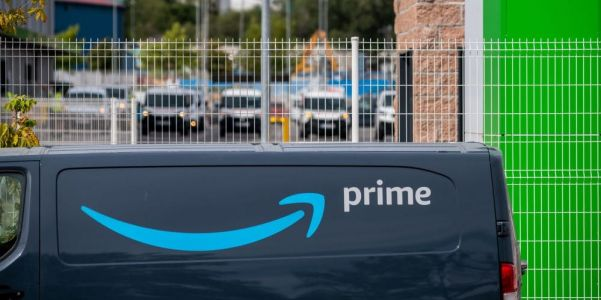How to easily reorder items you've bought on Amazon in 2 ways
