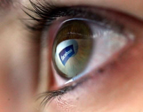 Illinois Facebook users to get more than $300 each in privacy settlement