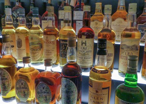 Whisky and gin worth more than £100k stolen from Scottish lorry