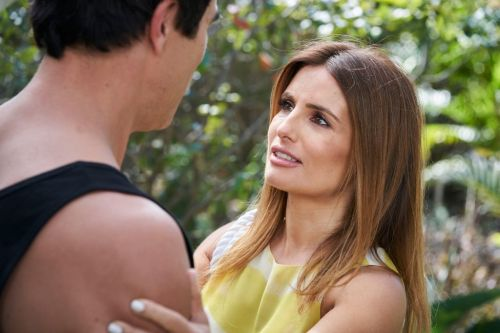 Home and Away spoilers: Leah has fears over dating Justin