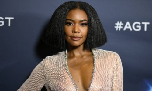 Gabrielle Union shows off her unreal figure in a bra and panties after new hair transformation