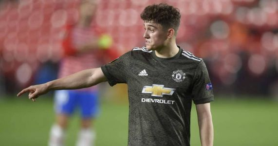 Man Utd expected to scupper Leeds transfer plans amid first-teamer concern