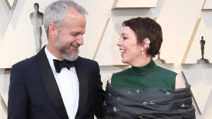 Olivia Colman admits her husband stole toilet paper from Buckingham Palace