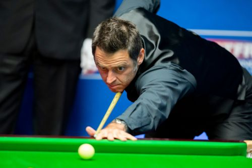 Ronnie O'Sullivan says bet on Mark Selby in their World Snooker Championship semi-final