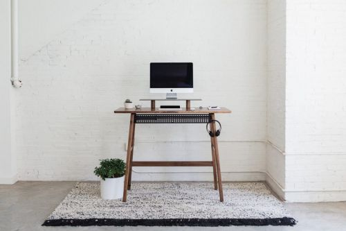 This ArtifoxDesk Will Make You Want To Buy A Standing Desk Immediately