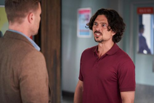 Home and Away spoilers: Lewis knocks out Christian and keeps him prisoner
