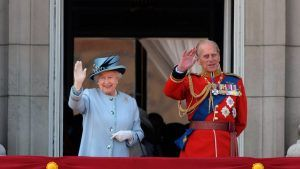 Why members of the royal family have a special 'royal wave'