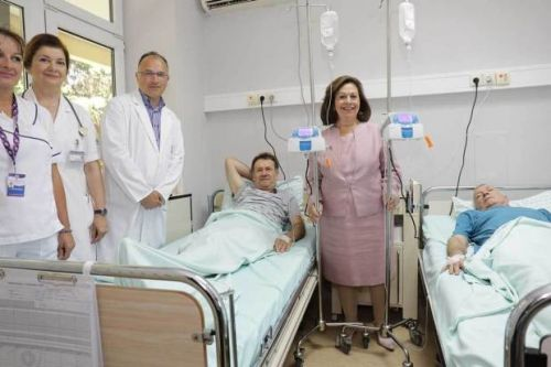 Crown Princess Kathrine donates medical equipment to oncology centre