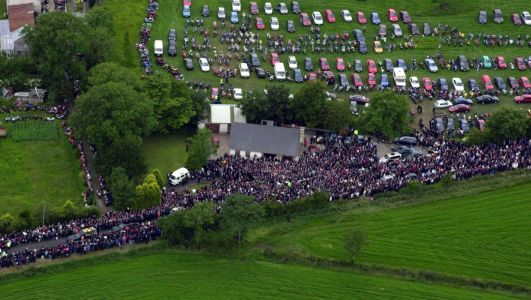 The day family, friends and fans gathered to applaud their hero Joey Dunlop one last time