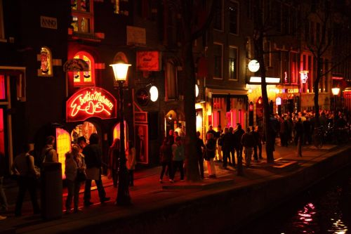 What are the Covid-19 rules in Amsterdam's red light district?