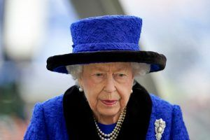 One Royal family member is in 'panic mode' over the Queen's health concerns