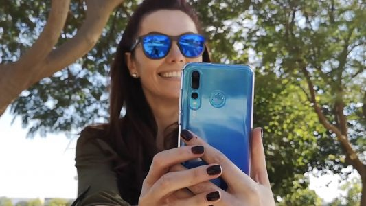 Video: Bigger than life selfies with the Huawei Nova 4