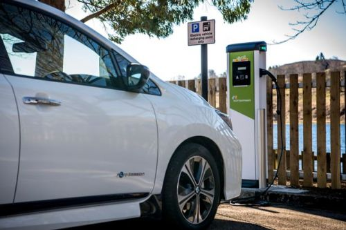 Ministers 'could do better' when it comes to EVs