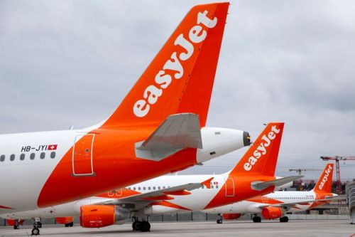 EasyJet Considers Cutting Pilot Jobs And Closing Bases