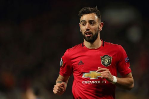 Former Manchester United captain Bryan Robson hails Bruno Fernandes as 'modern day Paul Scholes'