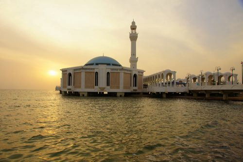 Be amazed by the beautiful mosques of Jeddah