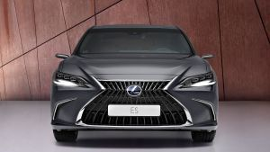 Facelifted Lexus ES saloon unveiled at Shanghai Motor Show