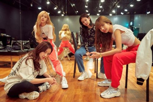 Who is BLACKPINK? Meet the band behind Netflix's documentary Light Up the Sky