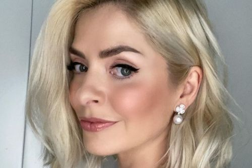Holly Willoughby's 'stunning' Dancing On Ice look hailed after 'beautiful' pic