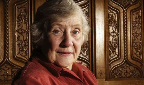 Shirley Williams: Labour Party giant who blazed a trail for women dies aged 90