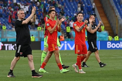 Wales lose to Italy but secure runners-up spot to progress to Euros knockouts