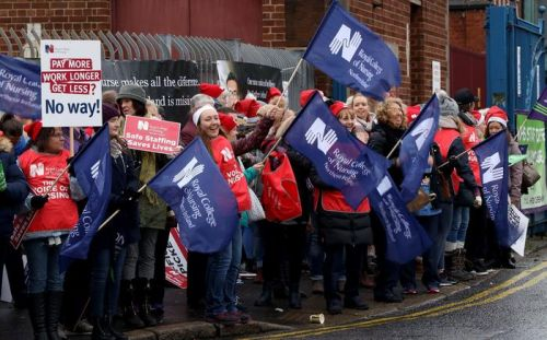 Health care unions vote to end Northern Ireland strike action