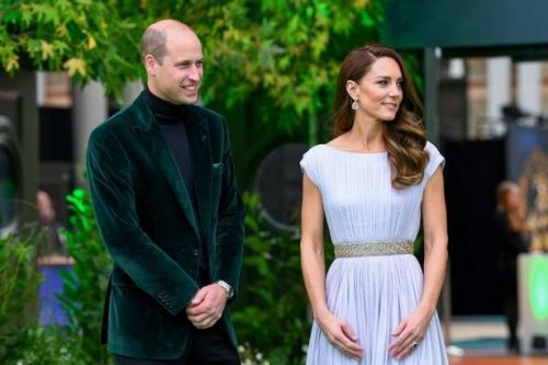 Prince William steals Kate Middleton's spotlight as fans praise his dapper look