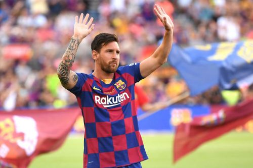 Lionel Messi set to stay at Barcelona after contract exit clause expires