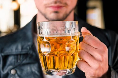 Men and women who drink daily have 'increased chance of reaching 90'