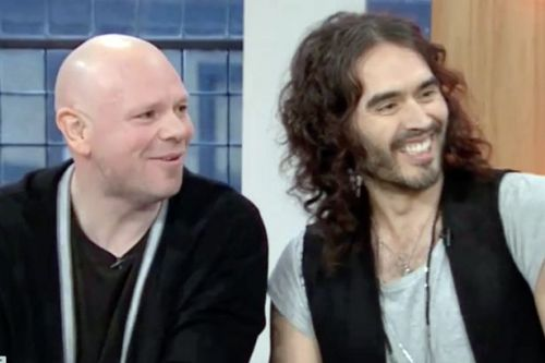 Russell Brand helps TV chef pal Tom Kerridge stay on track after seven years booze-free