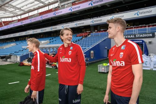 Chelsea 'keeping tabs' on 6ft 5′ Norwegian international