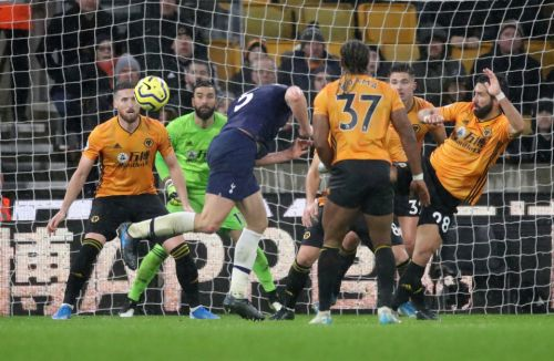Wolves 1 Tottenham 2: Jan Vertonghen nets dramatic winner as Spurs close gap on Chelsea to three points