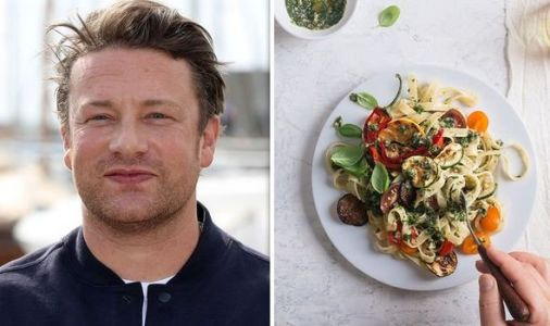 Jamie Oliver explains how to make pasta without key ingredient during lockdown
