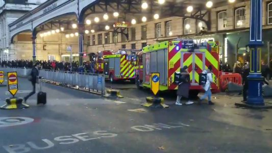 Rush hour commuters evacuated from Victoria station after 'casualty on track'