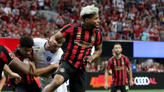 Atlanta's Martinez injured as goals streak ends